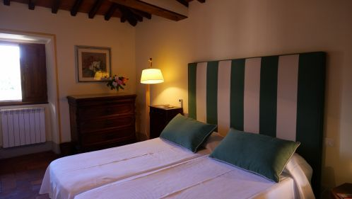 Villa le Barone Apt San Leolino a bedroom